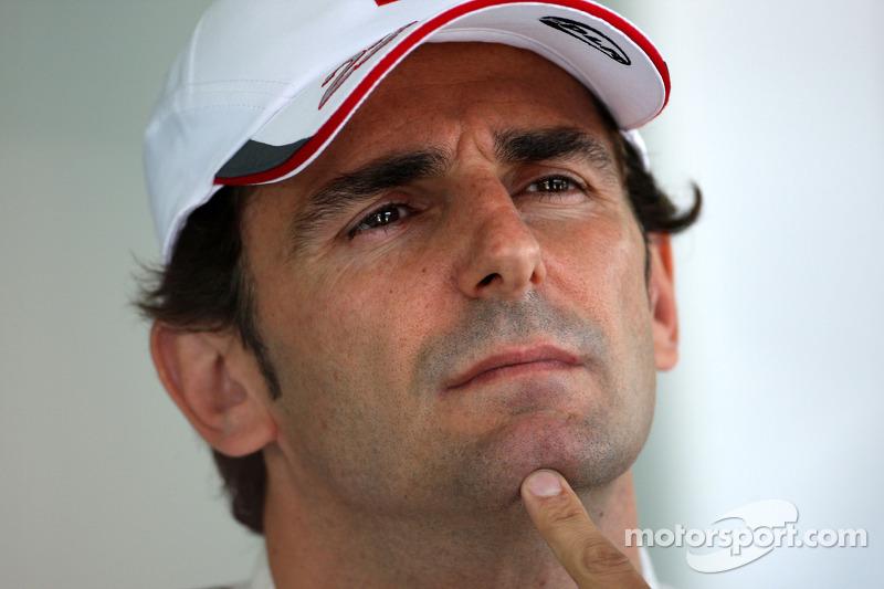 Pedro de la Rosa will drive for HRT F1 Team in 2012