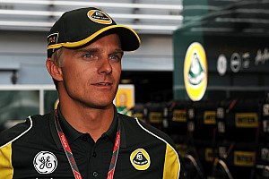 Formula 1 Kovalainen insists 'sticking with Caterham' in 2012