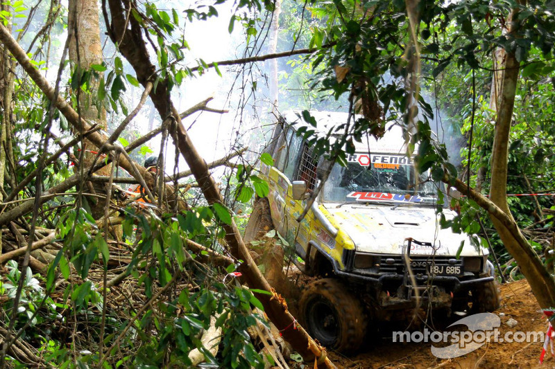 2011 Malaysian Rainforest Challenge - Hell and High Water