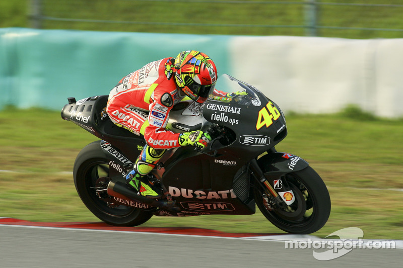 The Ducati Team starts work on the GP12 at Day 1 of Sepang Test