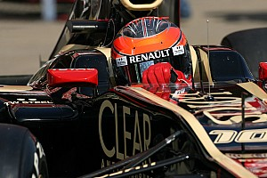 Formula 1 Grosjean quickest for Lotus during first day of Barcelona testing