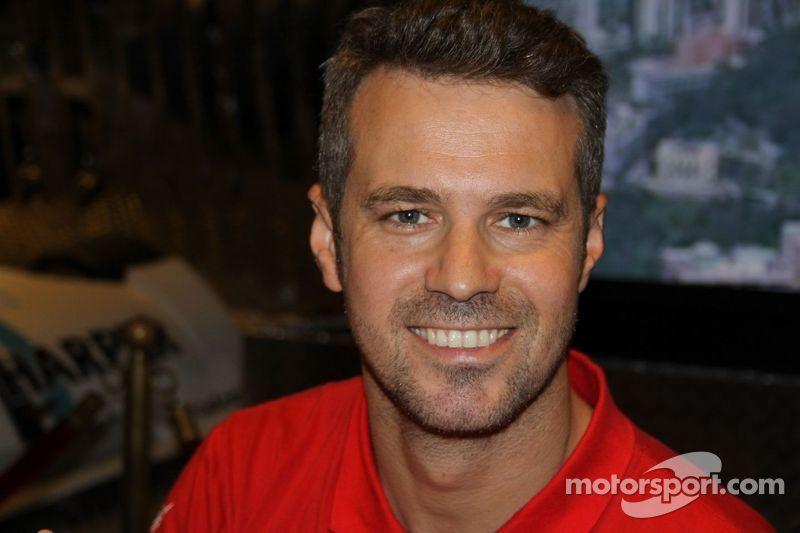 Tiago Monteiro stays with SEAT Tuenti Racing Team