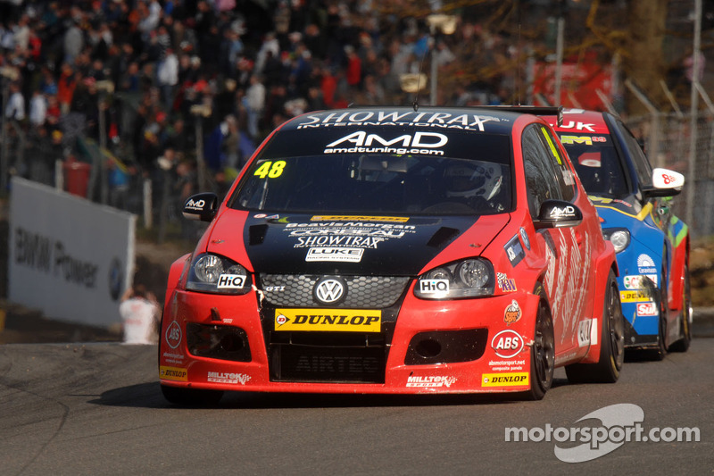 AmDtuning.com chasing more points at Donington Park