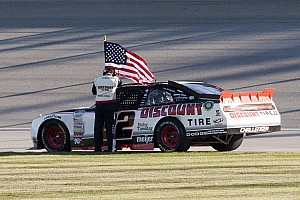 Fuel mileage gamble pays off for Keselowski at Charlotte