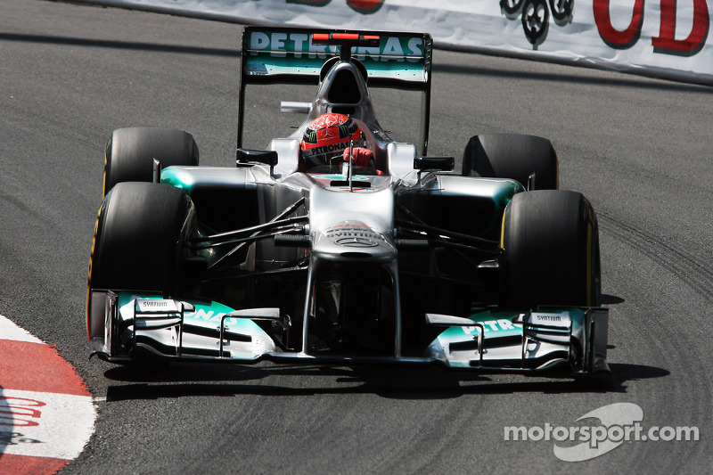 Mercedes not ruling out team orders