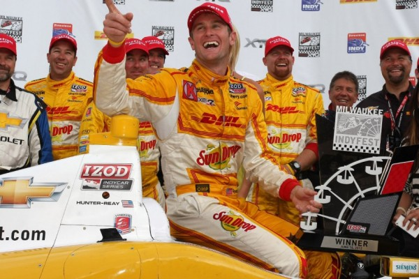 Iowa win gives Ryan Hunter-Reay second consecutive trip to victory lane
