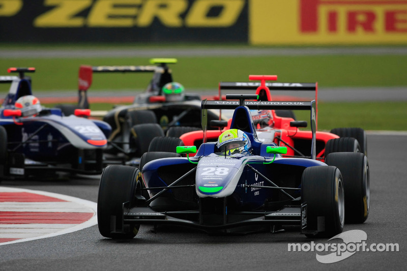 Tyre strategy ensures a win from the back at GP3 in Britain