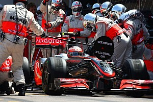 McLaren vs Red Bull Pitstop Germany 2012 (World Record 2.4 seconds) - Video