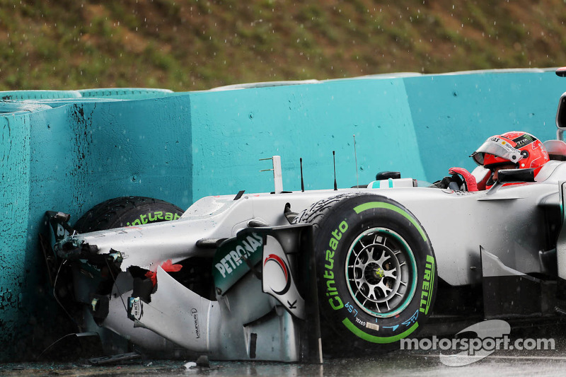 F1 drivers criticise Pirelli's wet tyres