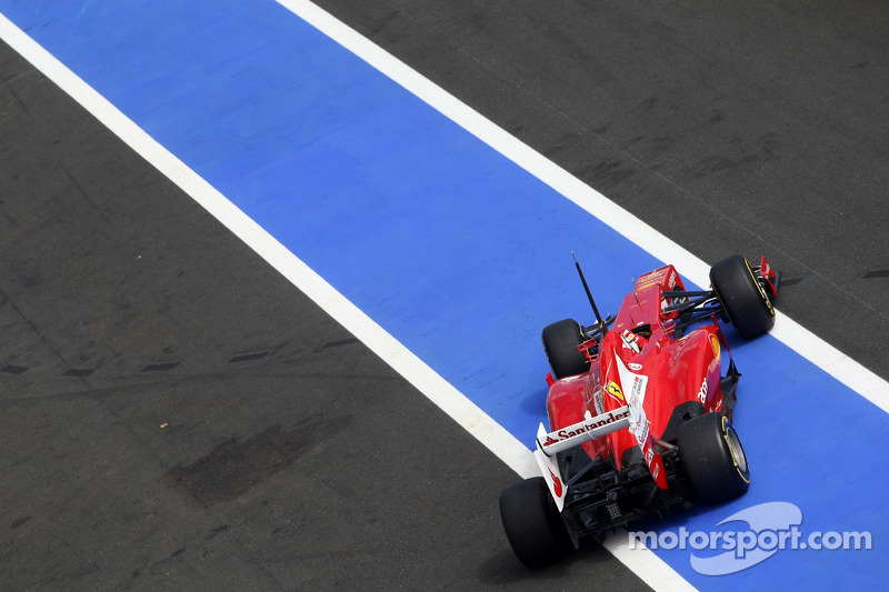 Ferrari using foot-activated 'DRS' pedal