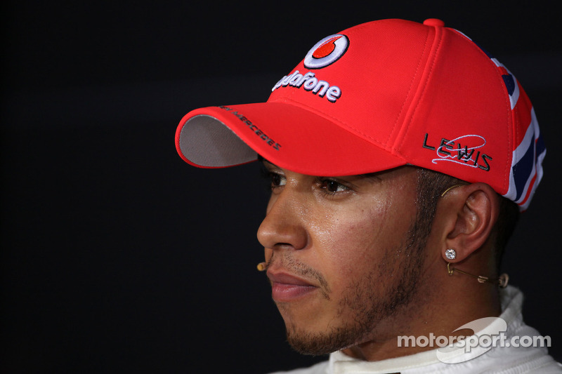 Contract chaos giving Hamilton title focus - boss