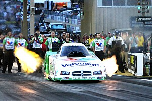 NHRA Race report Beckman wins in St. Louis and moves within 30 points points lead in Countdown