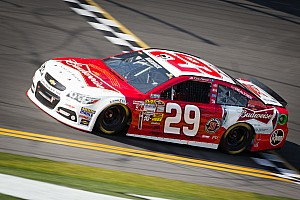 NASCAR Sprint Cup Race report Harvick and Kahne fastest Chevrolets in Daytona Duels