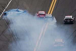 Crash sidelines Kahne, Harvick, Stewart, Montoya and others at Daytona 500