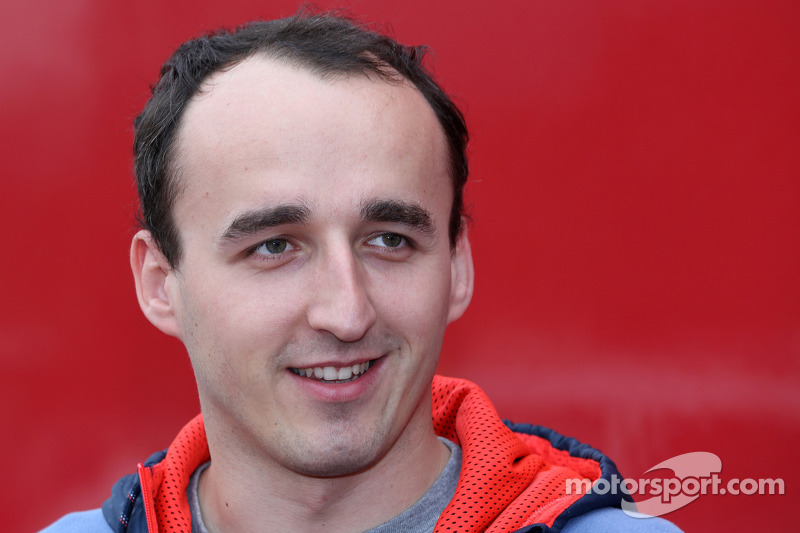 Kubica 'definitely' in running for 2014 - Boullier