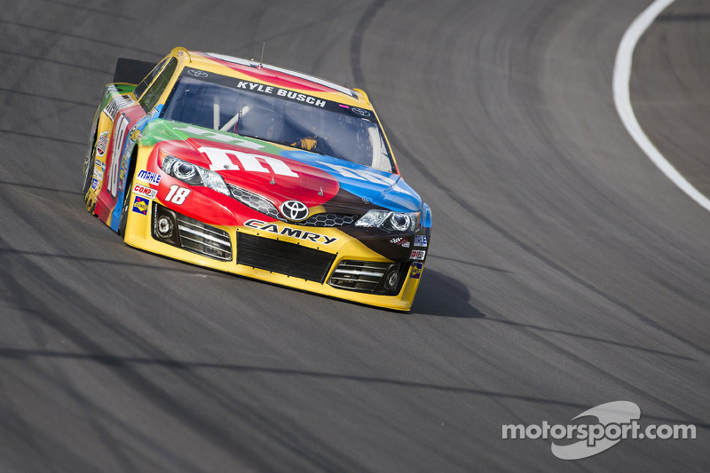Kyle Busch heads to Richmond 400