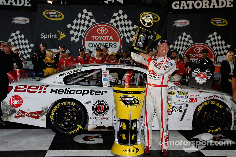 Harvick goes to victory lane at Richmond International Raceway