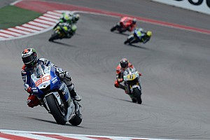 Lorenzo seizes the initiative in Jerez Friday practice