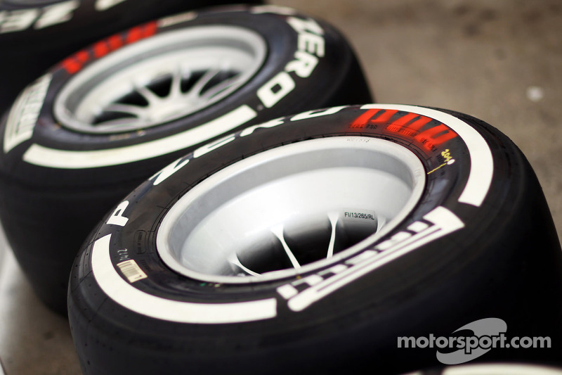 Pirelli P Zero White medium tyres faster than the 2012 Yellow soft at Barcelona