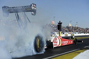 NHRA Qualifying report Force, Kalitta, Coughlin and Smith lead Friday qualifying in Epping