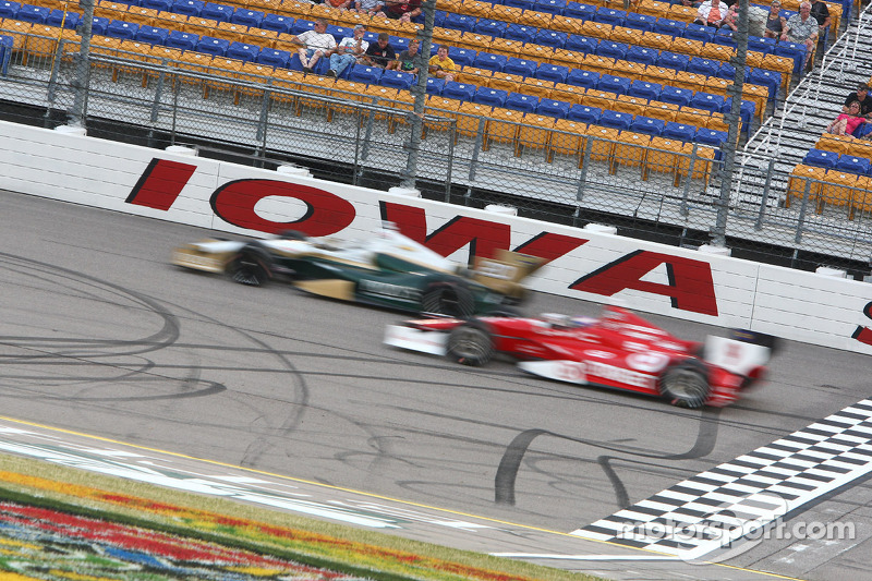 Dixon and Franchitti finished 16th and 20th, respectively in the Iowa Corn 250