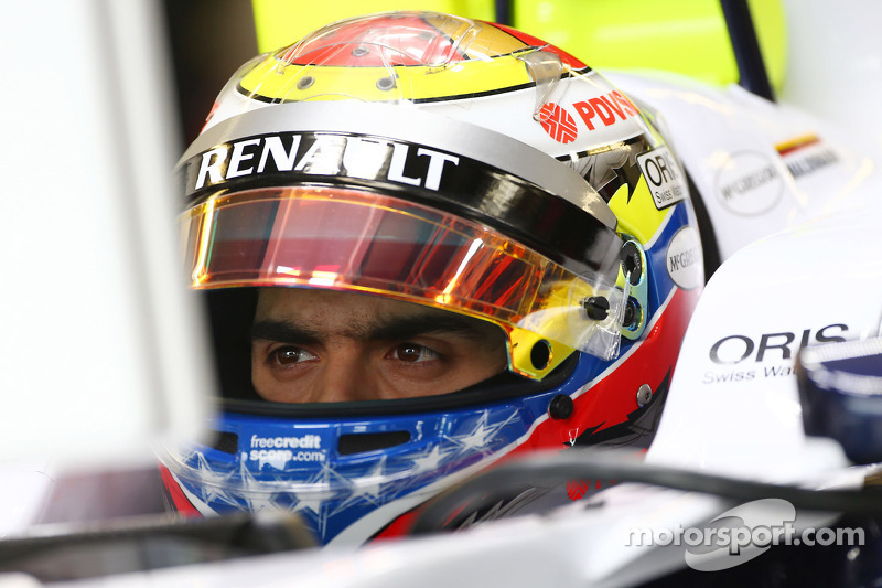 Maldonado denies talks to replace Raikkonen at Lotus