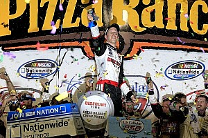 Keselowski overcomes adversity for Iowa Speedway victory
