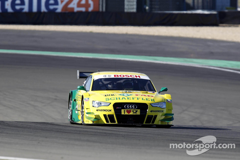 Audi driver Rockenfeller keeps cool at Nürburgring