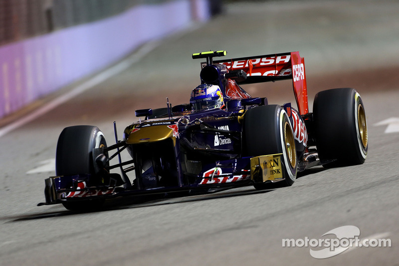 Toro Rosso at the front of the middle group on qualifying for the Singapore GP