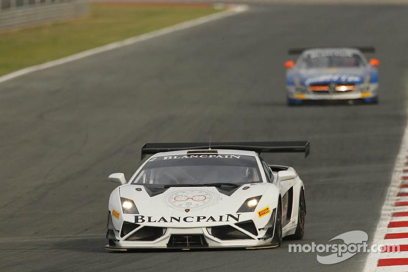 Lamborghini Blancpain Reiter grab dramatic pole at Circuito de Navarra