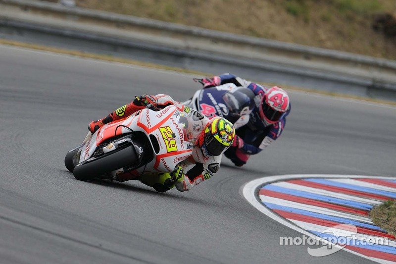 Top-ten finish for Iannone at the GP of Aragón