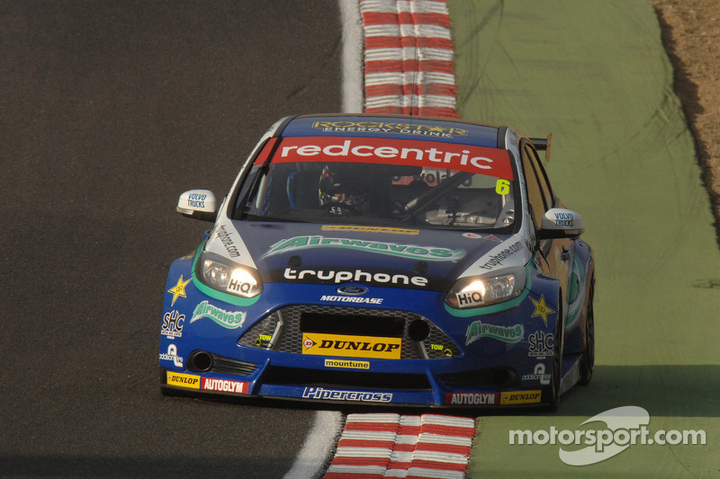 Airwaves Racing show true grit after free practice shunt
