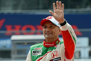 WTCC Qualifying report Honda Civics take front row for race 2 in Shanghai with Monteiro on pole
