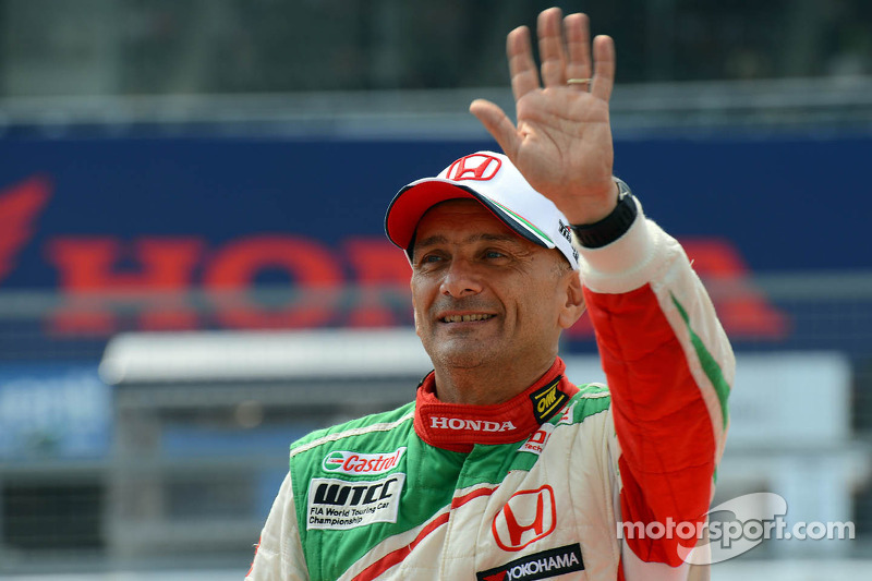 Honda Civics take front row for race 2 in Shanghai with Monteiro on pole