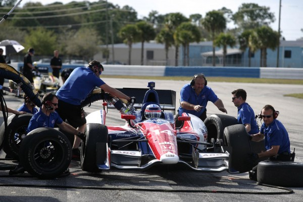 Pre-holiday INDYCAR series test servers as jump-start for 2014