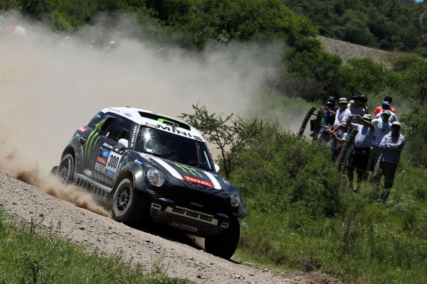Mini sitting one-two-three after three in the Dakar