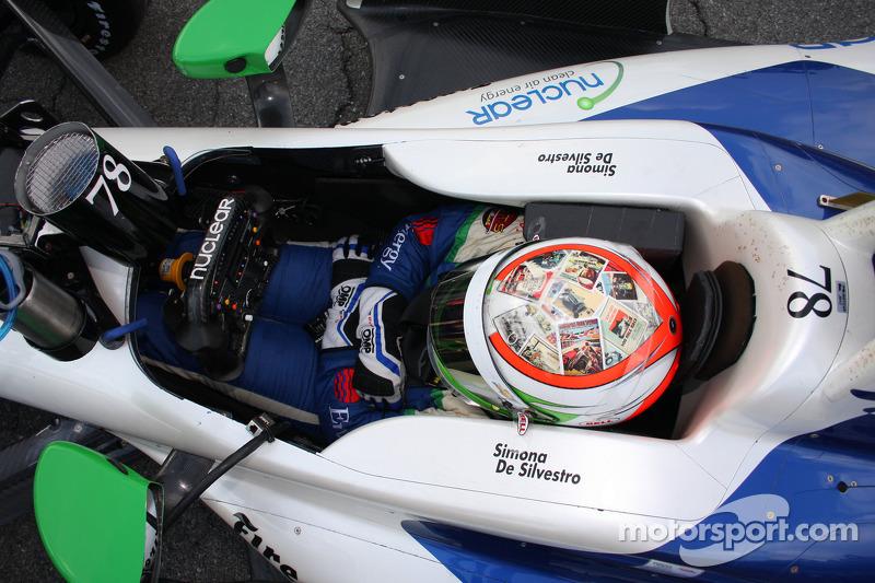 Sauber signs up female driver de Silvestro
