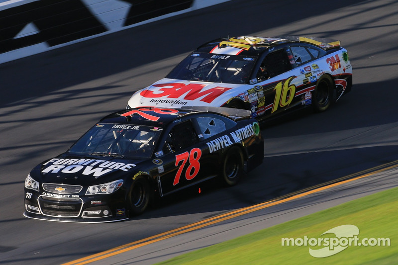Martin Truex Jr. experienced motor problems on lap 31 of the Daytona 500