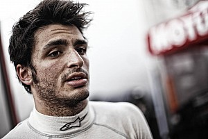 Carlos Sainz Jr. takes over at Motorland