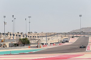 Mercedes begins the third and final pre-season test at the Bahrain
