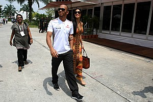 """Formula 1 Rumor Lewis with """"wifey"""" Nicole?"""