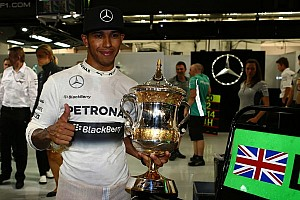 Hamilton succeeds in Sakhir to take maiden Bahrain GP victory