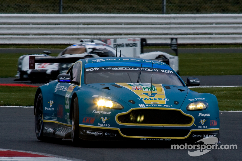 A mixed qualifying session for Aston Martin Racing