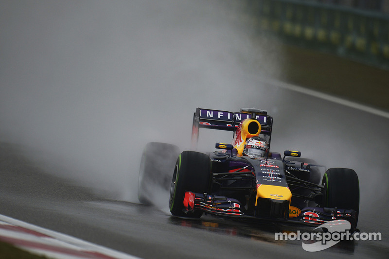 Vettel refuses to obey Red Bull team order