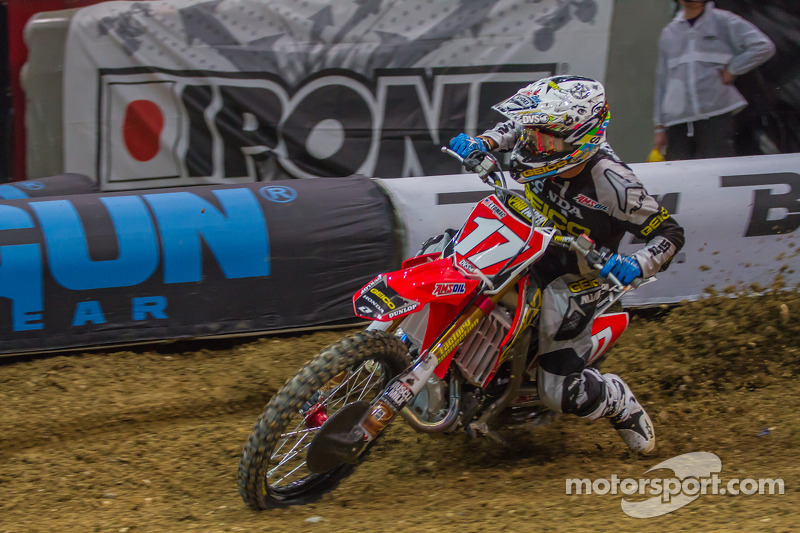 Bogle's victory in New York puts him in control of championship chase
