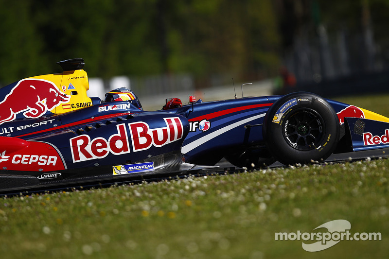 Carlos Sainz Jr. in a F1 test seat this year?
