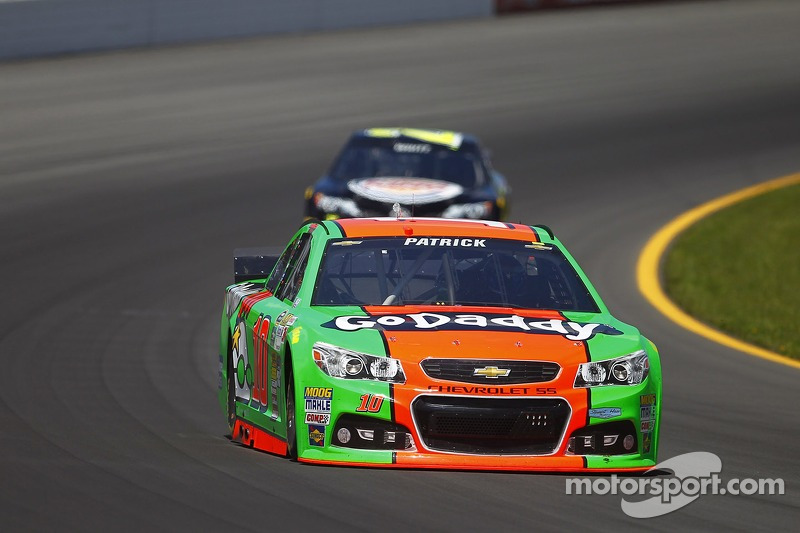 Late crash costs Danica Patrick at Pocono