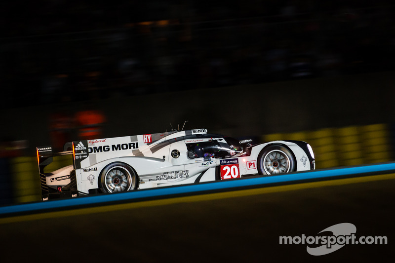 Porsche's Brendon Hartley holds provisional pole in qualifying