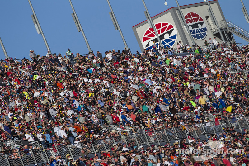 Bringing them back: My plan for NASCAR (Part One: The product)