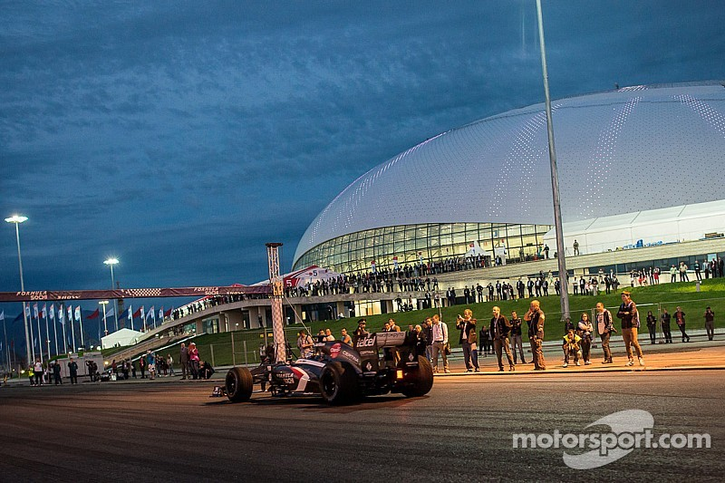 F1 world nervous about Russian GP